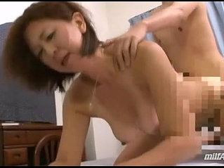 Milf Fucked By Young Guy Creampie On The Bed