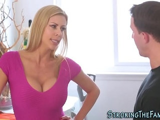 Bigtits stepmilf facial