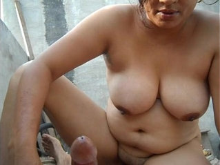 Desi neighbour bhabhi